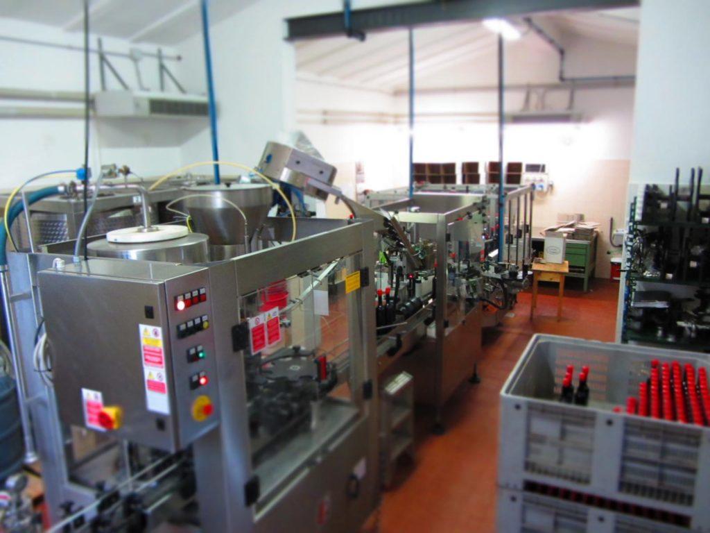 Brennerei Franceschini - hier die Abfüllanlage